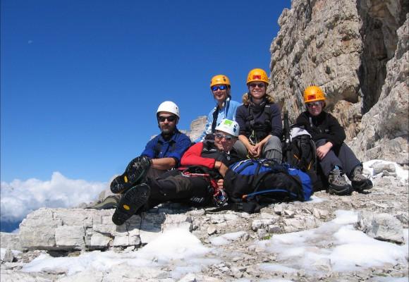 Senkrechte Felsen am Klettersteig Brenta