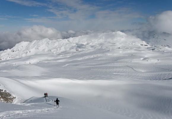Winterlandschaft beim Wintersport.