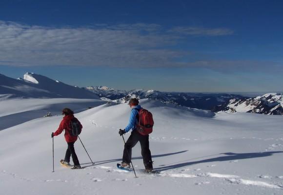 Gruppenbild am Ifen beim Schneeschuhwandern.