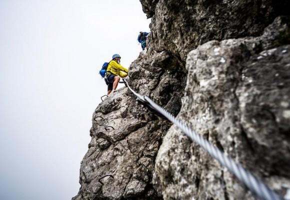 Klettersteig Urlaub : Nervenkitzel in den alpen klettersteige für faule